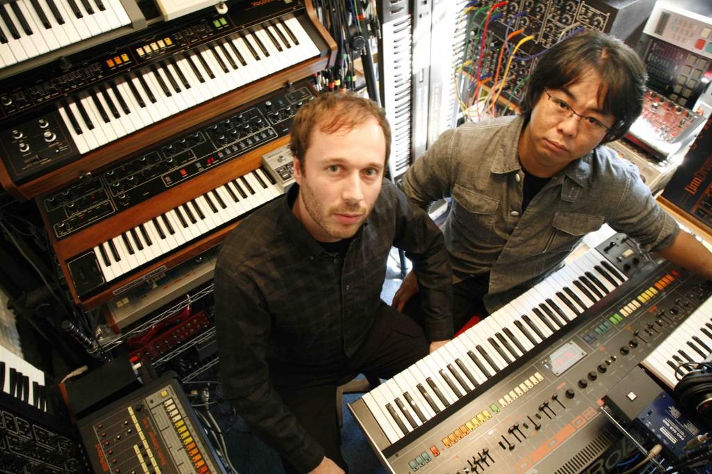 Alex&Isao-with keyboards studio